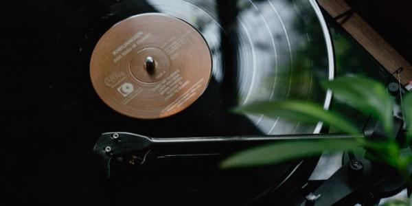 Zakup pierwszego gramofonu - wskazówki i porady eksperta