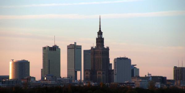 3 piosenki o Warszawie, które pokazują stolicę w różnym świetle